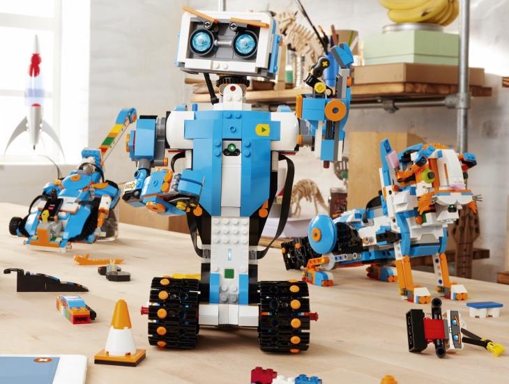 Робот лего