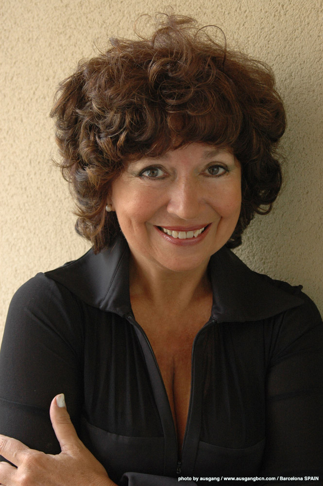 Ana Maria Gonzalez Soprano Short Biography