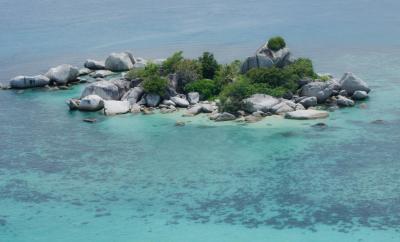 Pulau Lengkuas - Belitung Timur - Backpacker Jakarta