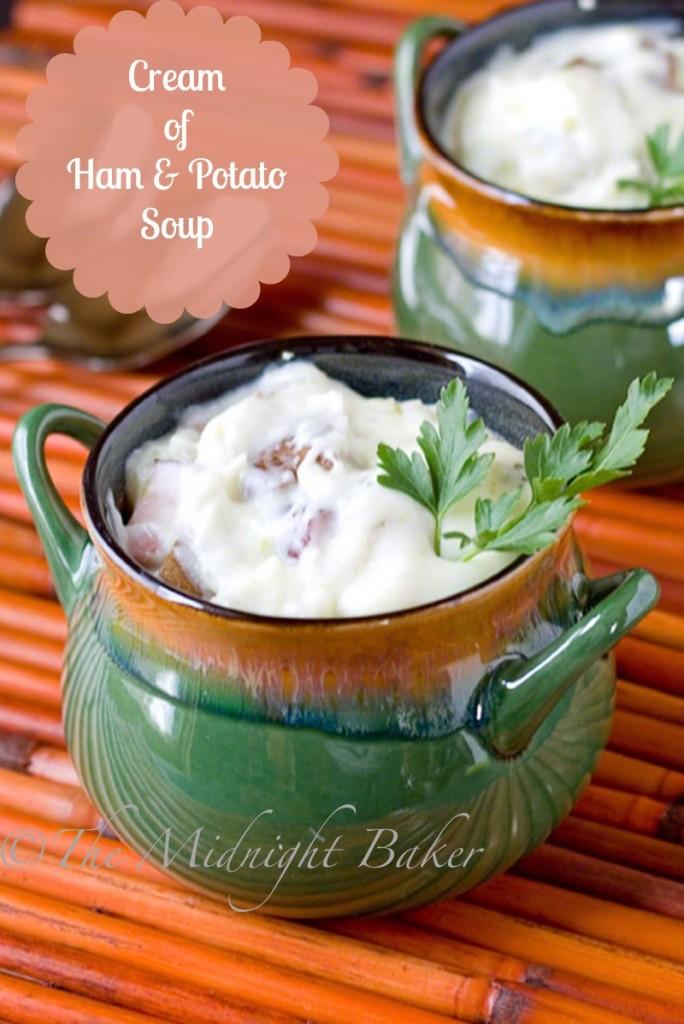Cream of Ham & Potato Soup   bakeatmidnite.com   #creamsoup #potatosoup