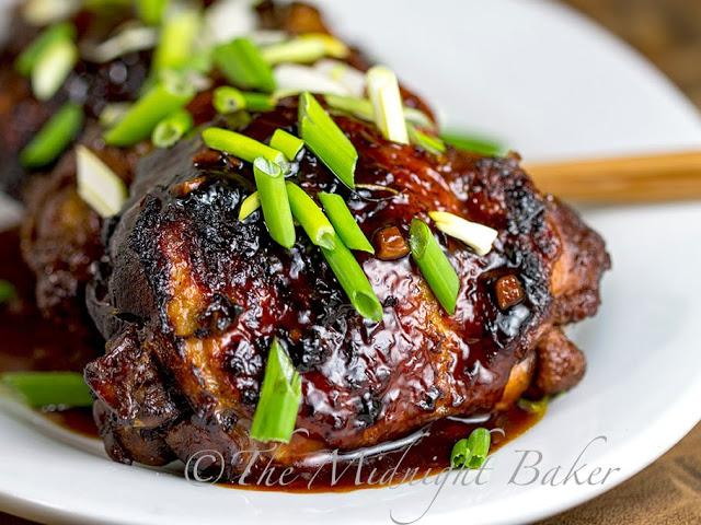 Slow Cooker Chicken Teryaki   bakeatmidnite.com   #slowcooker #crockpot #teryakichicken