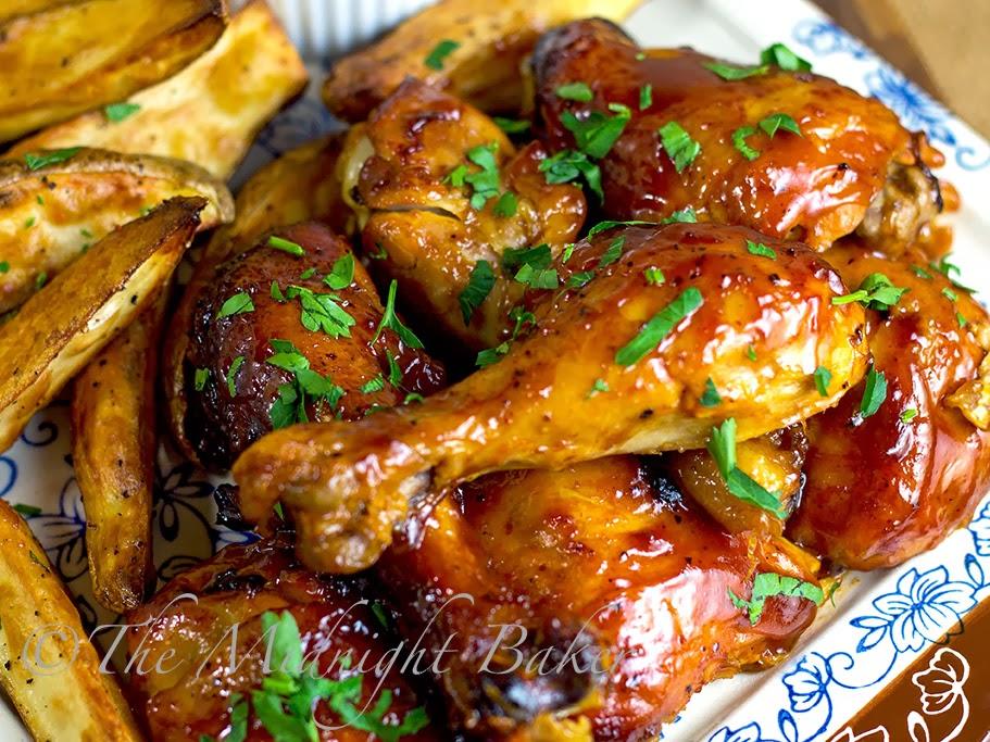 Slow Cooker Fruity BBQ Chicken   bakeatmidnite.com   #SlowCooker #CrockPot #BBQChickenRecipe #chicken