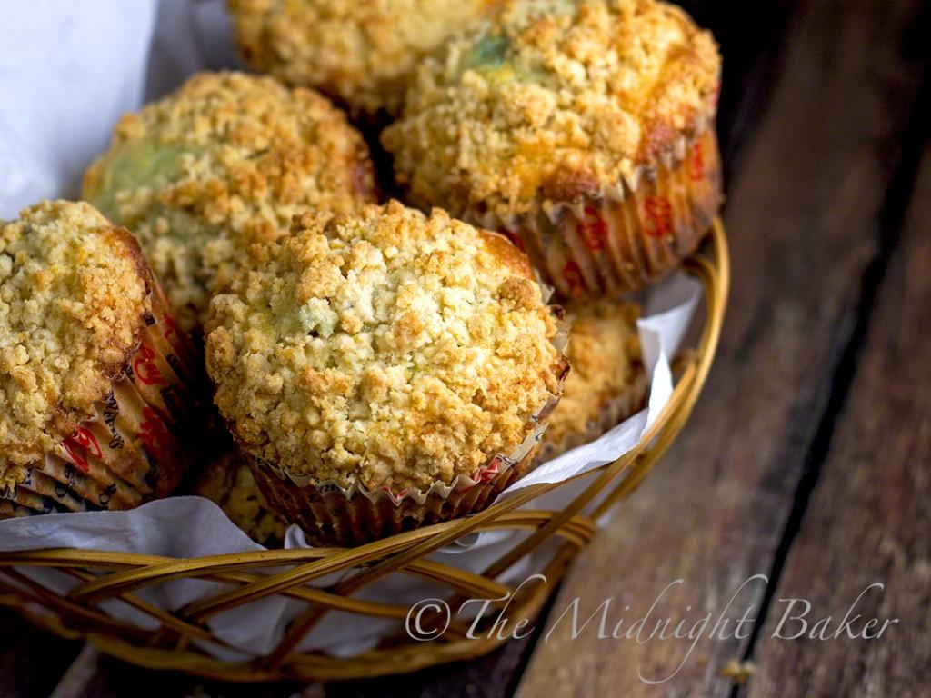 Blueberry Lemonade Muffins | bakeatmidnite.com | #blueberrymuffins #breakfast #muffins #blueberries