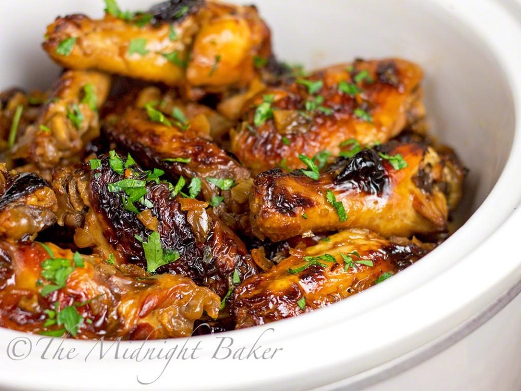 Slow Cooker Asian Orange Wings   bakeatmidnite.com   #chickenwings #appetizers #slowcooker #crockpot
