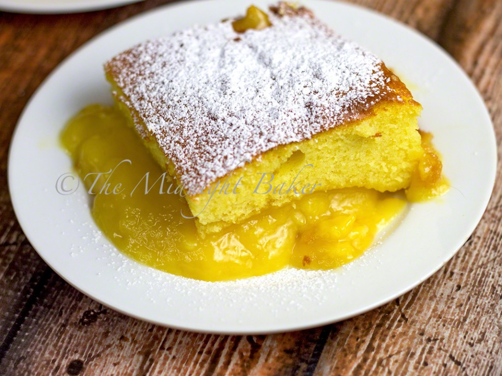 Lemon Pudding Cake   bakeatmidnite.com   #desserts #lemoncake #lemonpudding