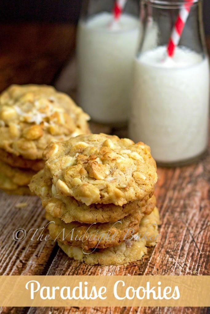 Paradise Cookies | bakeatmidnite.com | #cookierecipes #coconut #macadamianuts #whitechocolate