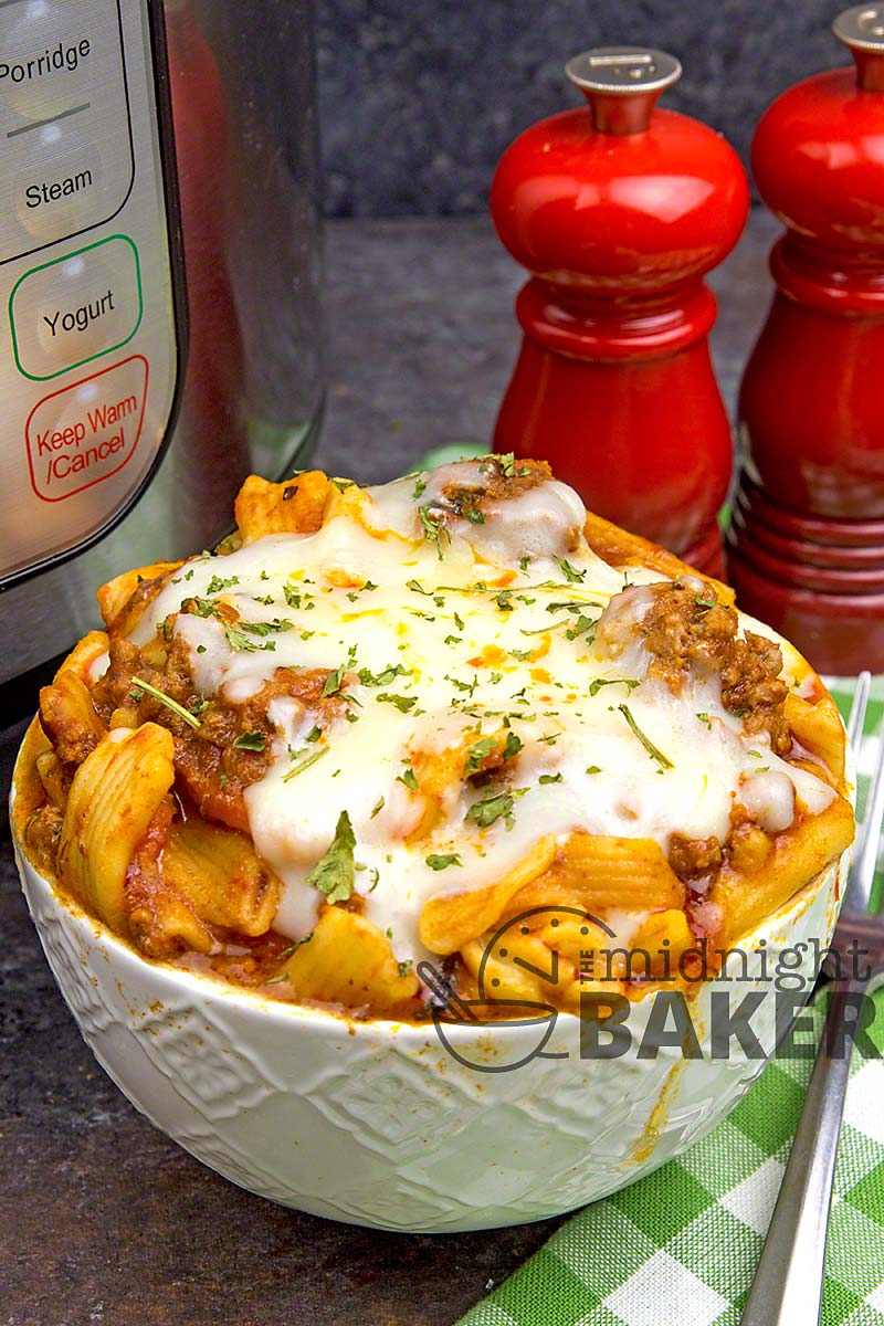 Perfect for those days you forgot to defrost something. This baked ziti can be cooked with frozen meat!