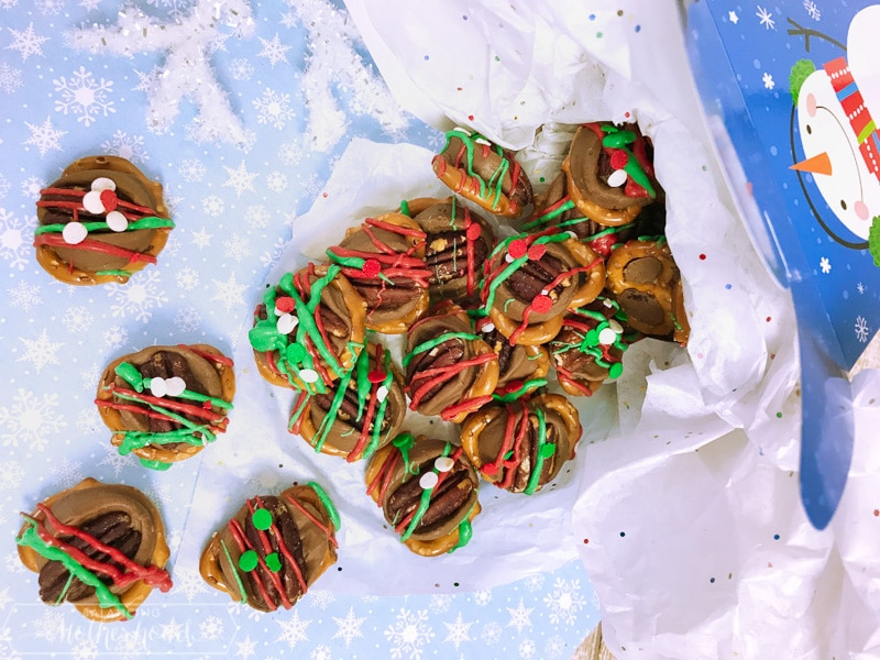 Have a bite of these quick and easy to prepare holiday rolo pretzels!
