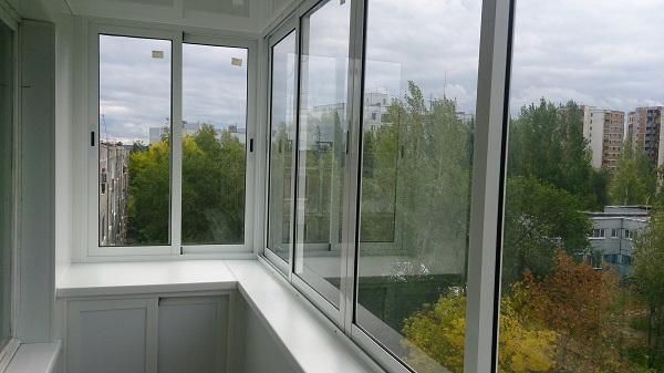 Glas af loggier med aluminiumsprofil