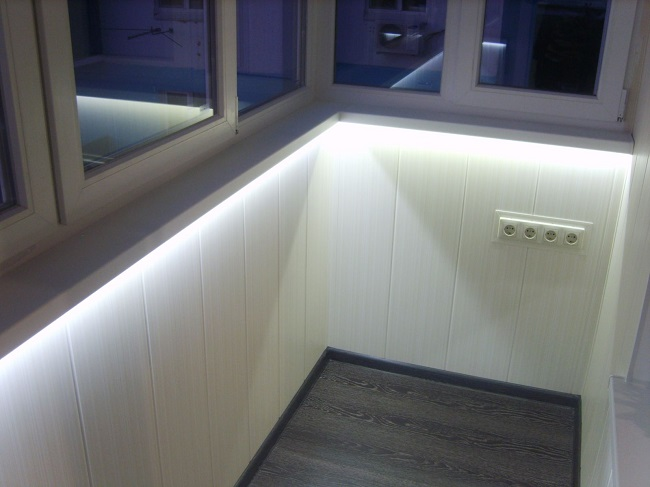 belysning på altanen med LED-strip