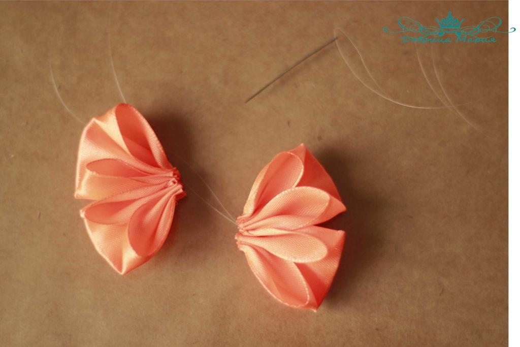 Bow ng isang malawak na satin ribbon 5.