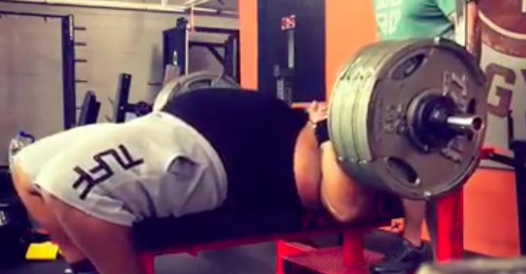 Watch Julius Maddox Bench Press 600 Pounds For Eight Reps