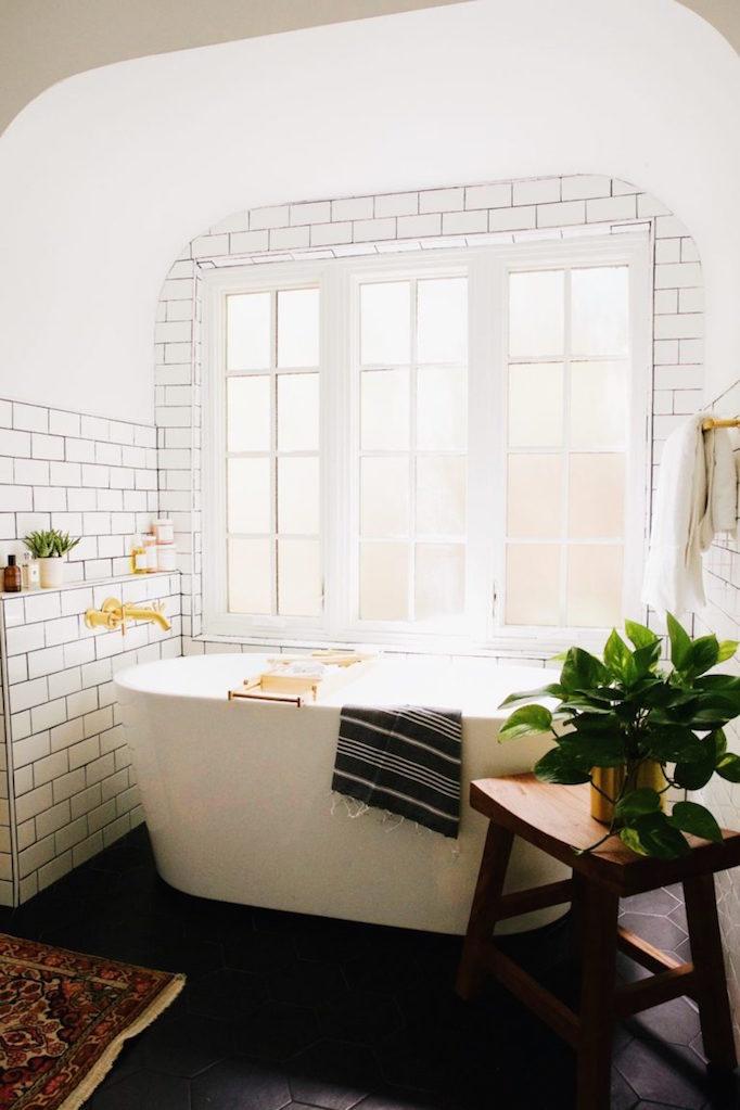 Before After 10 Stunning Bathroom Renovationsbecki Owens