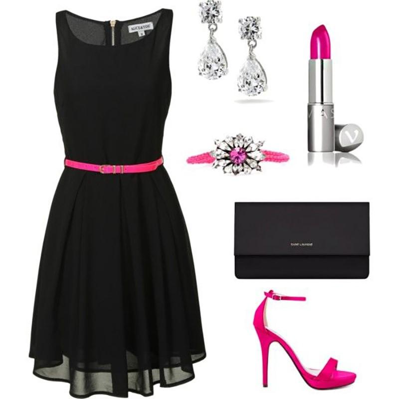 Vestido preto e acessórios