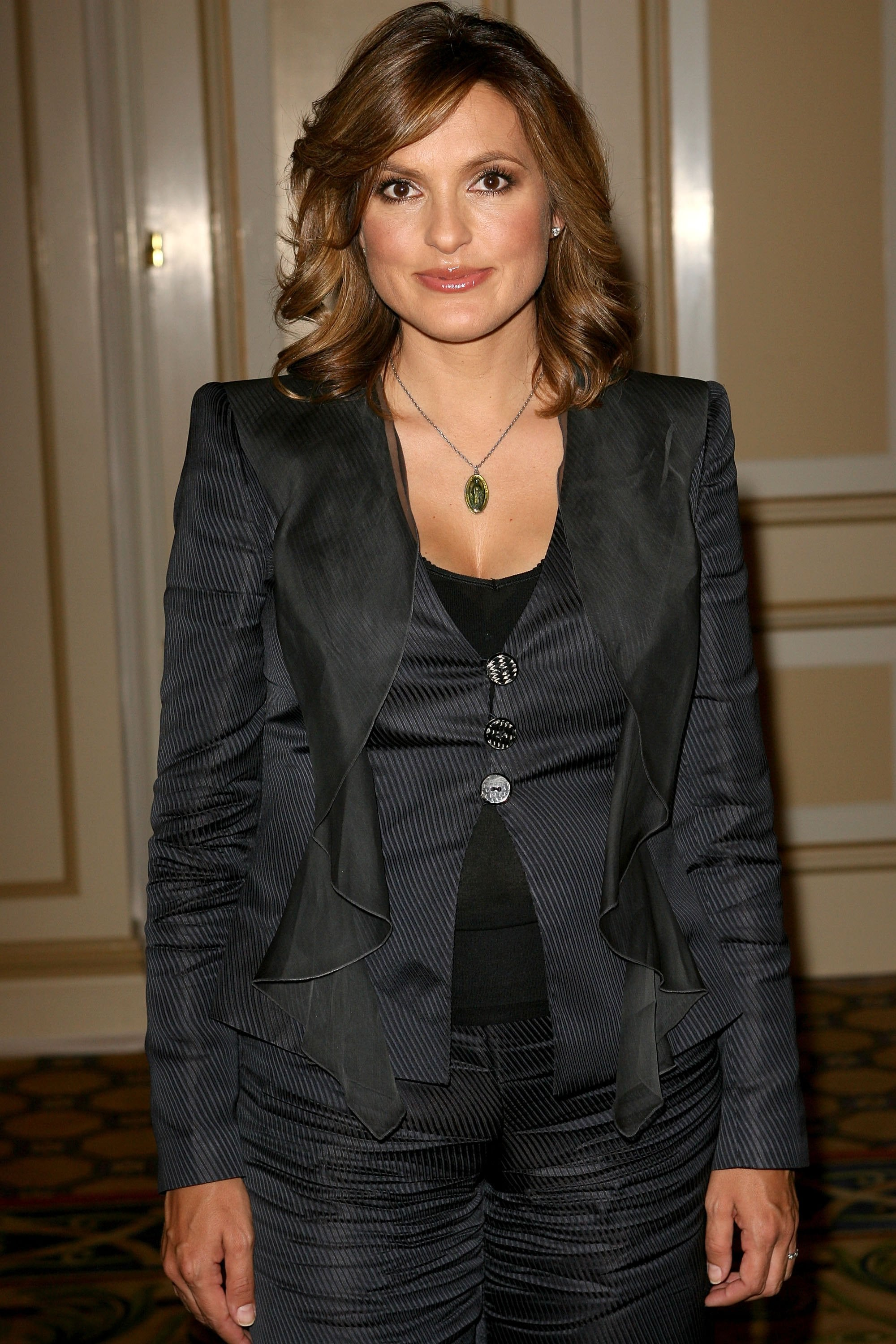 37 Hot Pictures Of Mariska Hargitay Are Too Damn Hot For ...
