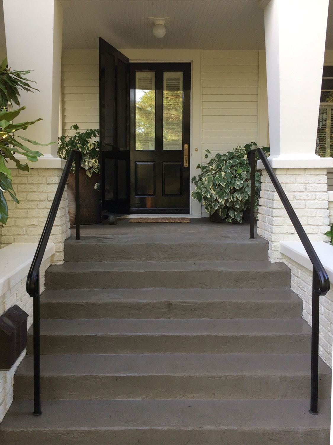 Traditional Exterior Handrail For Front Steps Seattle | Aluminum Handrails For Steps