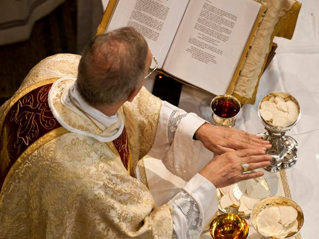 What Is The Holy Eucharist Catholic Faith Store Blog