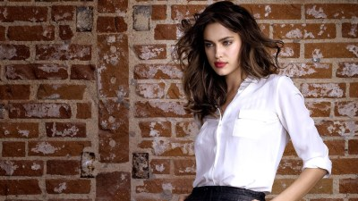 33 Gorgeous HD Irina Shayk Wallpapers