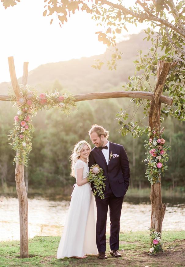 30 Best Floral Wedding Altars Amp Arches Decorating Ideas