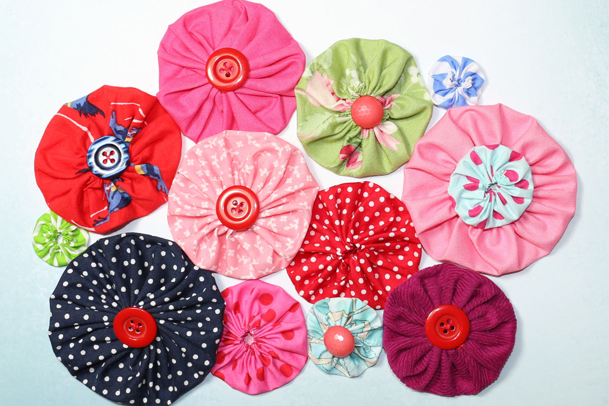 How to Make Fabric Yo Yos   DIY Fabric Flowers FREE template  TREASURIE fabric flower yo yo template tutorial