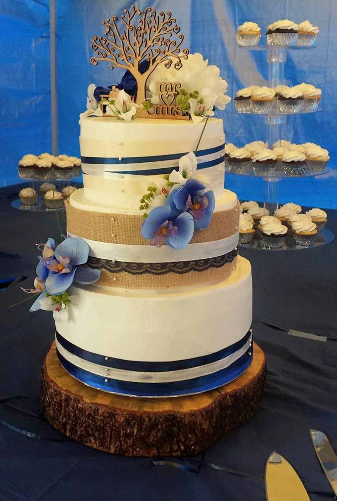 Bakery Makes Cakes