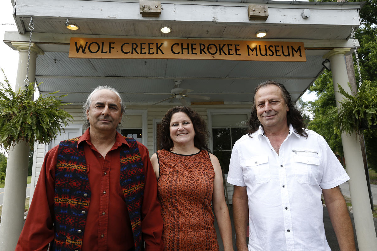 Creek Life Family Indians