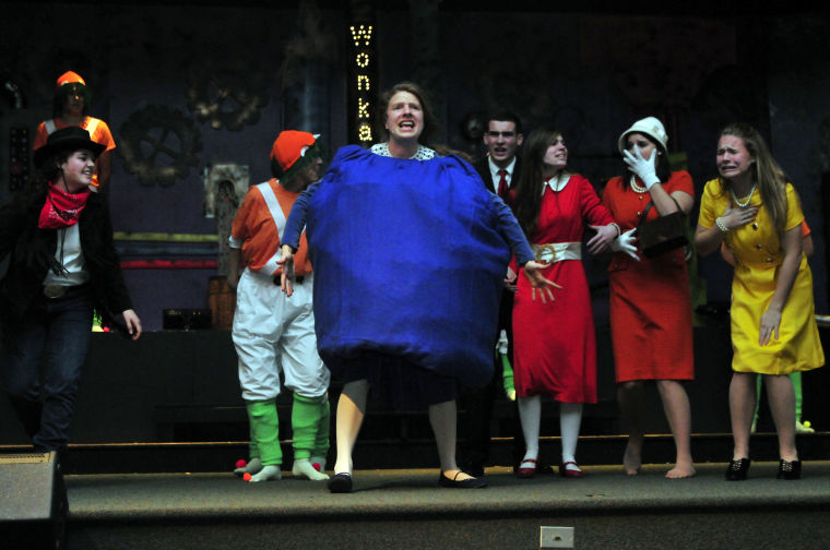 Scs Performances Of Willy Wonka Open Tonight News