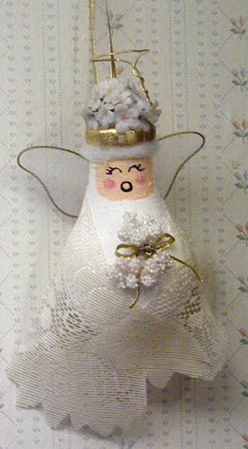 Recycled Light Bulb Christmas Ornaments
