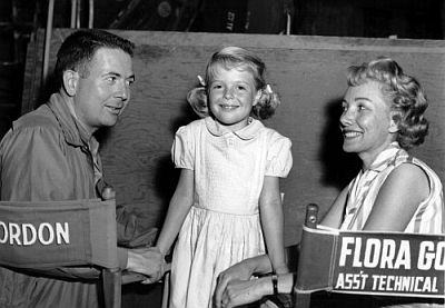 Bert I. Gordon with daughter and sometimes star Susan Gordon and wife Flora on the set of Earth vs. the Spider (1958)