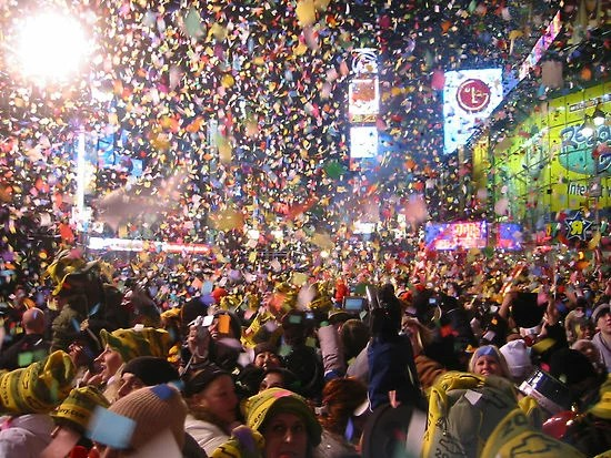 Almost FREE things to do in NYC for New Year s Eve 2012   Broke Ass     Do not pay  150 for a NYE meal at a fancy NYC restaurant  I repeat  do not  pay the  150  Why  Because you can wait for your parents or richer sister  who