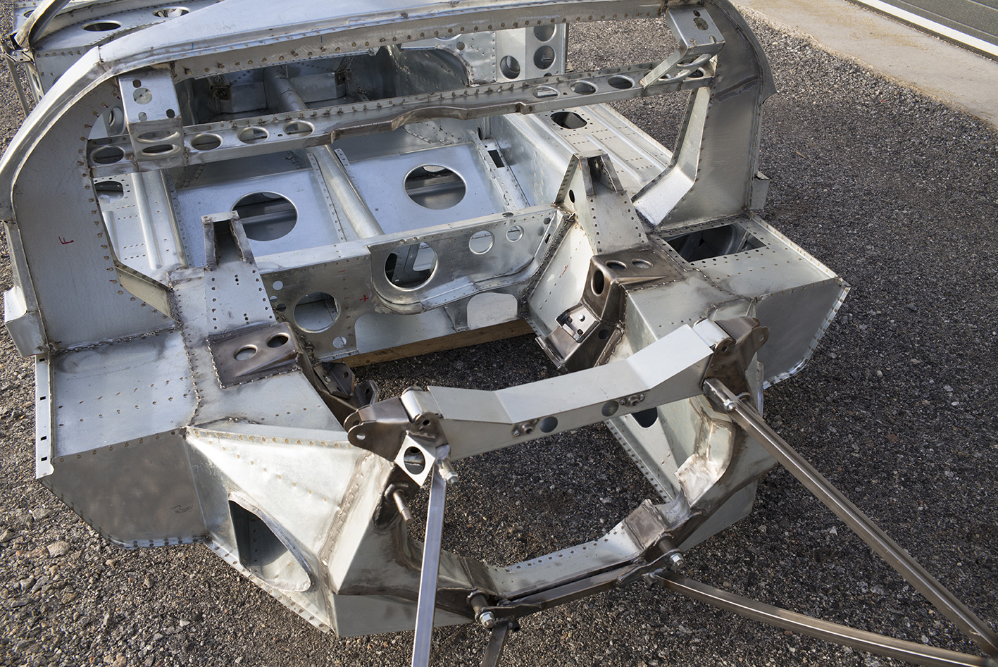 Gt40 Monocoque Chassis Building And Racing A Legend