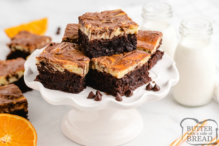 CAN YOU FREEZE BROWNIES? Yes you can freeze brownies for up to 3-4 months. There are several ways you can freeze them. Just remember, the better you package them before freezing, the longer they last! If you simply want a quick option, you can freeze individually cut brownies in small sandwich bags or in a large ziplock bag. Brownies frozen in baggies like this should generally be eaten within a month. For longer freezes, you'll want to double package brownies. I like to first wrap the brownies in foil, making sure you fold over so that no part of any brownie is left exposed to air. Then take the foil package and either wrap it again in foil, or place it in a ziplock freezer bag. Brownies frozen with a double wrapping will last 3-4 months, especially if you freeze them in a deep freeze.