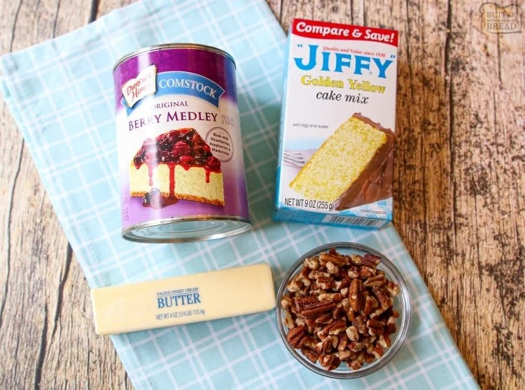 ingredients for berry dump cake how to make dump cake