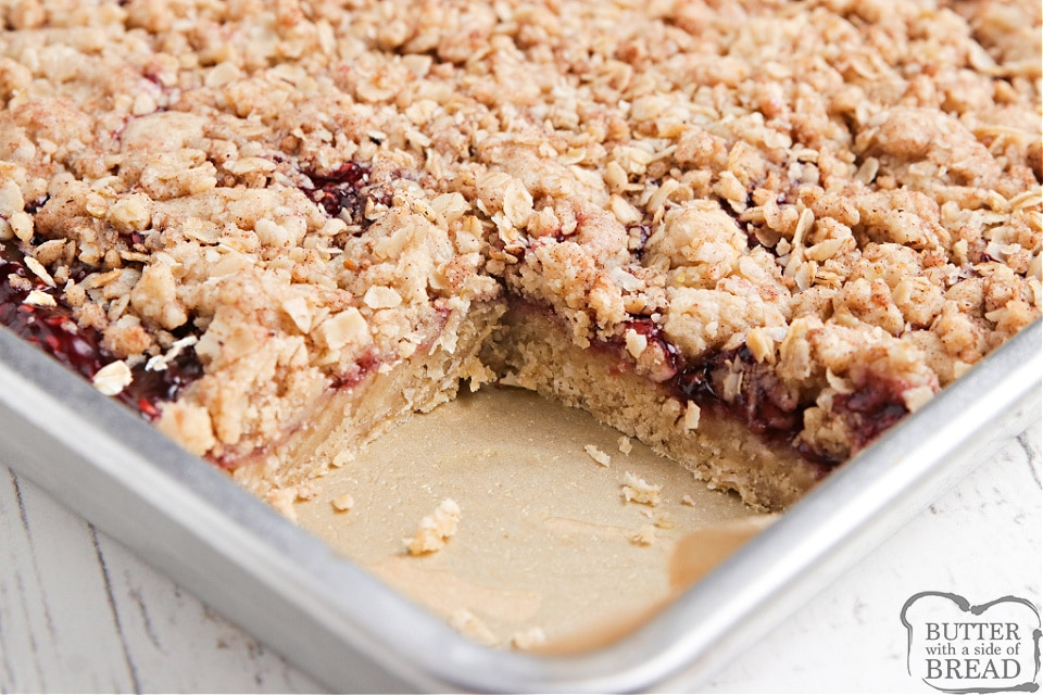 Oatmeal cookie bars with raspberry pie filling in the middle