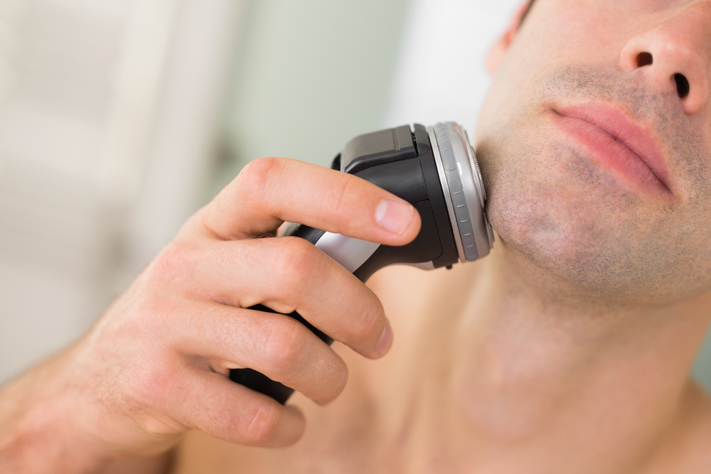 how do electric razors work
