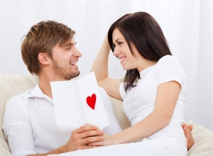 Mężczyzna i kobieta w kolorze białym