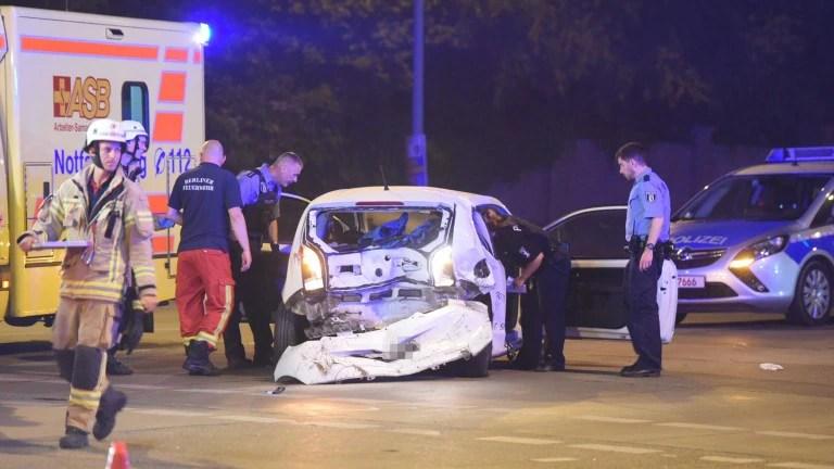 Schwerer Auffahrunfall in Biesdorf: Vier Verletzte – B.Z