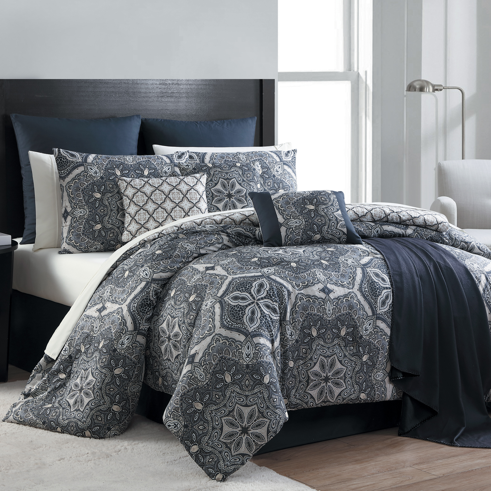 Essential Home 16 Piece Complete Bed Set Medallion