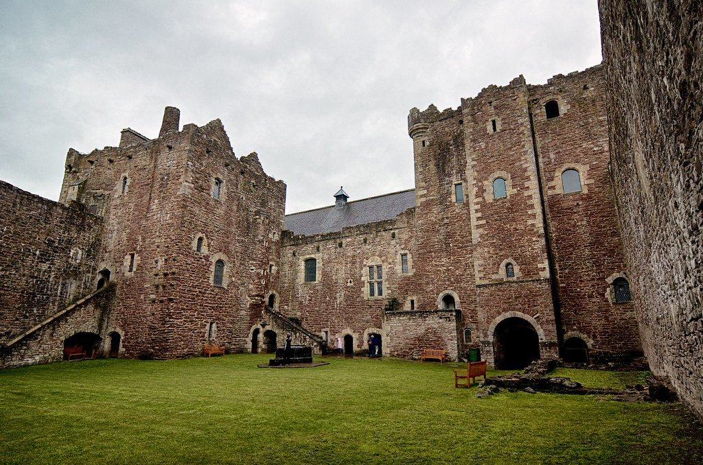 Doune Castle Courtyard This Is The Courtyard At Doune