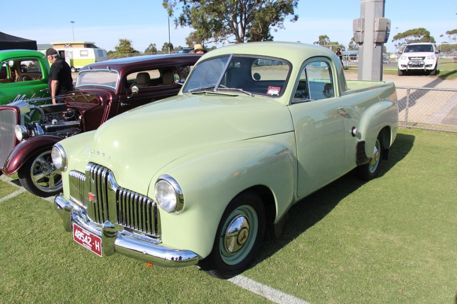 1953 chevrolet cars » 1952 Holden FX Utility   Glenn Green  Holden started out as       Flickr     1952 Holden FX Utility   by Sicnag