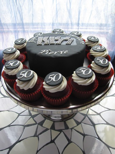 Kiss Band Logo Cake Chocolate Mud Cake Filled And
