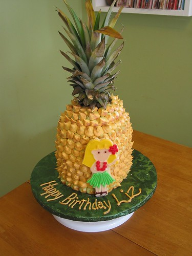 Pineapple Cake Birthday