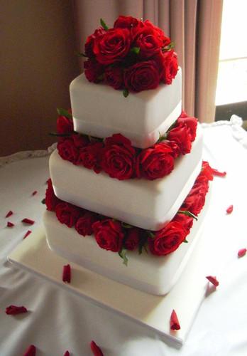 Red Roses Wedding Cake Georgious Three Tier Fresh Rose