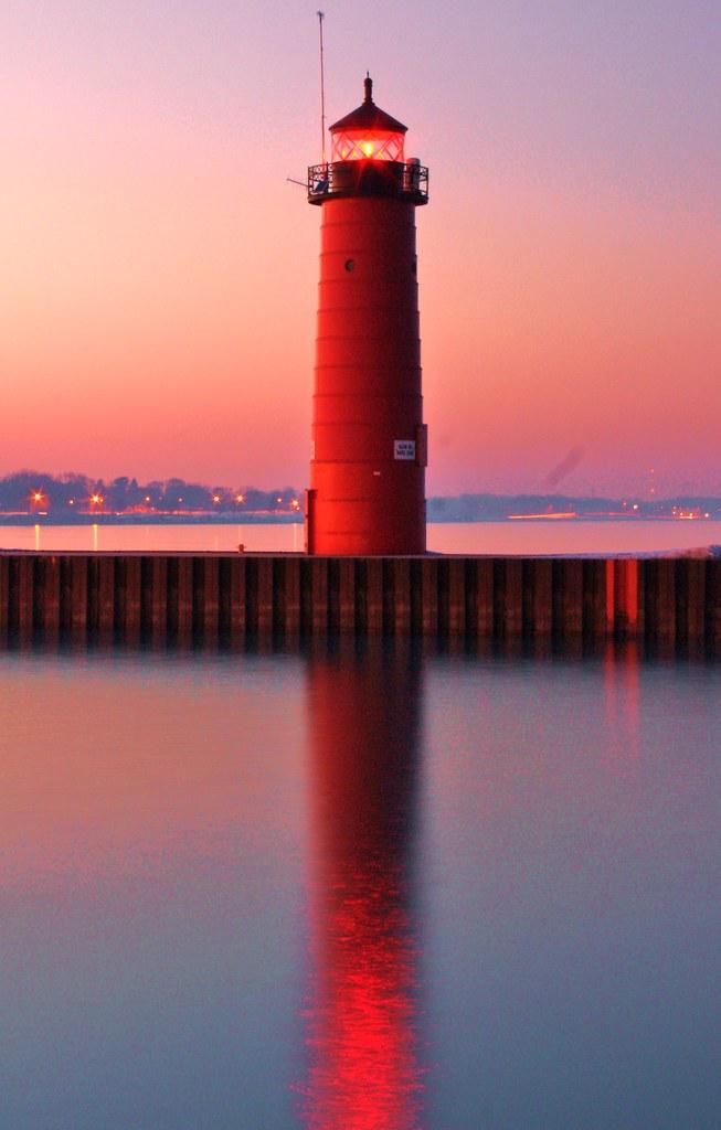 Kenosha Lighthouse Lighthouse At Kenosha Wi By Lake