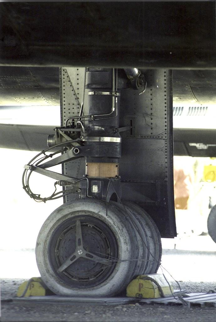 Sr 71 3 Wheel Main Landing Gear Note The Bare Titanium
