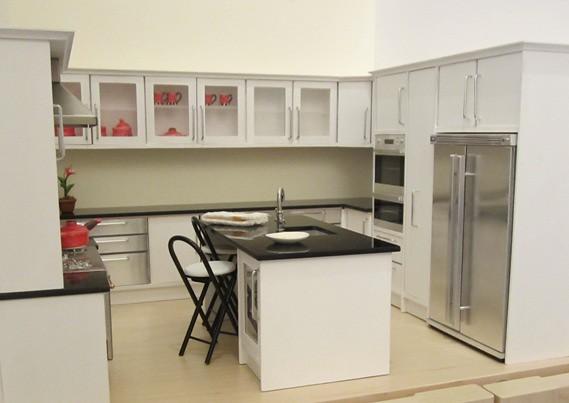 1 12 Dollhouse Kitchen White With Black Glass Tops