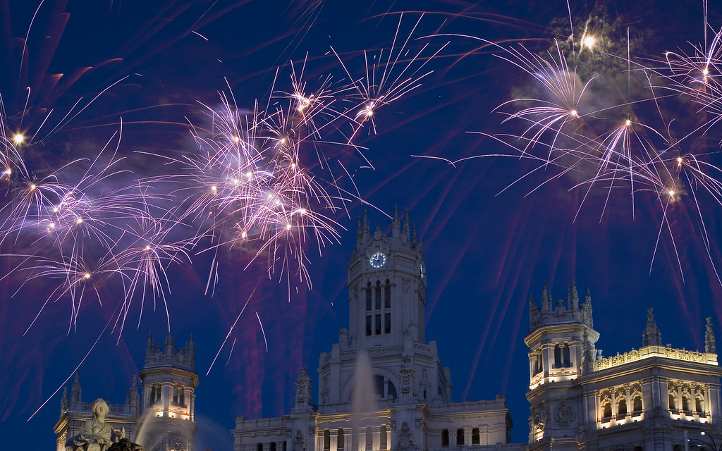 Fireworks above Cibeles Fountain on New Year s Eve  Madrid      Flickr     Fireworks above Cibeles Fountain on New Year s Eve  Madrid  Spain   by  ronnybryant