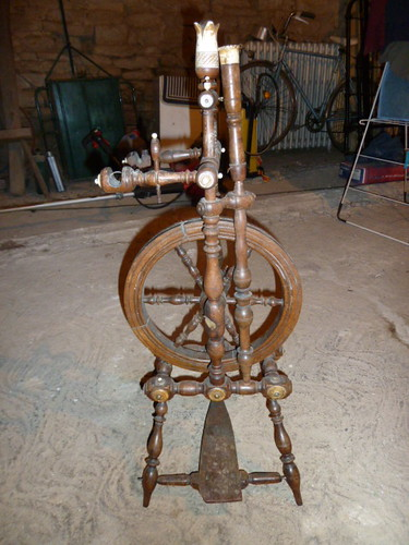 Antique Spinning Wheel I Picked Up This Pretty Antique