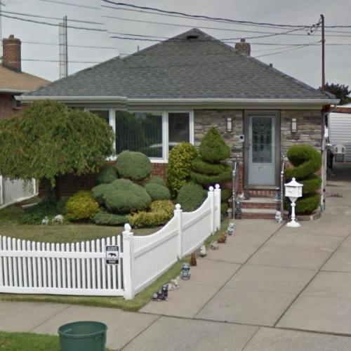 Ronnie Quot The Limo Driver Quot Mund S House In Whitestone Ny