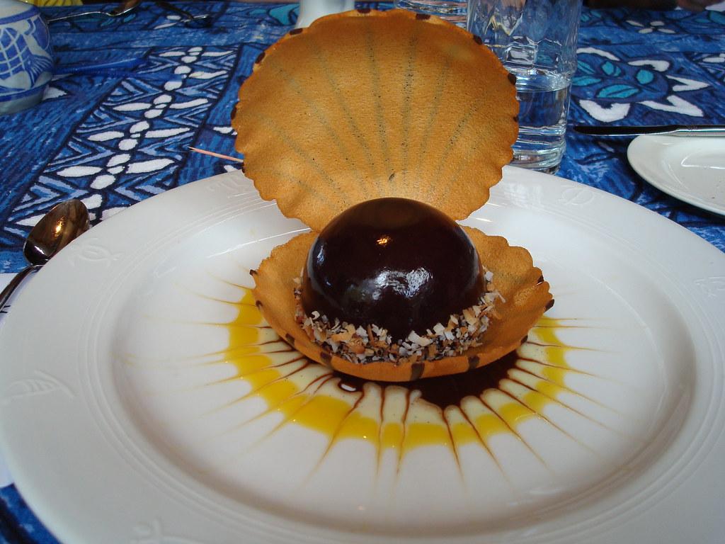 The Black Pearl Dessert Mama S Fish House Maui Famous